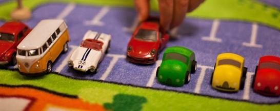 Uppkopplade fordon löser parkeringsproblem